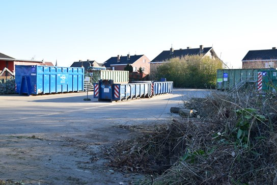 grote weergave Recyclagepark Knesselare - houtafval en containers